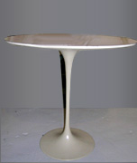 VINTAGE SAARINEN OVAL TABLE